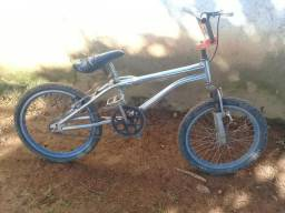 Vende-se bicicleta cross
