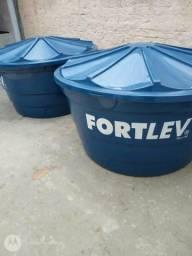 Caixas D'água Fortlev 1000L. Tenho duas