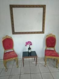 Moldura, 2 cadeiras e uma branquinha de centro