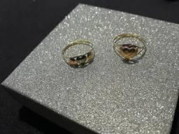 Dois aneis de ouro