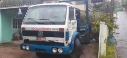 Caminhão poliguindaste sem caixa