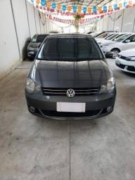 Volkswagen Polo Sedan 1.6 Comfor 2013 Flex