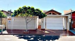 Vende-se casa bem localizada com 152,68 m² construída, terreno 223,30 m² no Bairro Cidade
