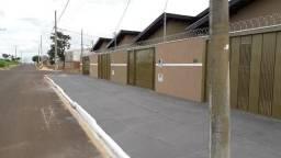 Casa bairro Nova Lima; 2 quartos; com laje e no asfalto;
