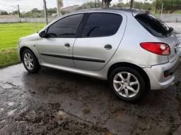 Vendo um Peugeot por 8,000 por favor leia o anuciu - 2011