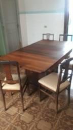 Jogo de mesa com 6 cadeiras, em imbuia, mais de 75 anos vintage