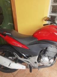 Título do anúncio: Moto Cb300 ano 2011 vermelha 66 mil km