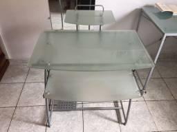 Título do anúncio: Mesa para computador em vidro , escrivaninha