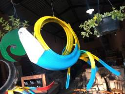 Artesanatos Araras para decorar varandas...
