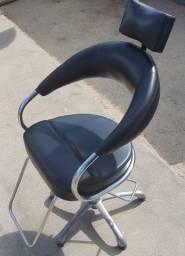 Título do anúncio: Cadeira de Cabeleireiro Profissional!!