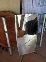 Espelho com Preteleiras de Vidro 62x64cm NOVO sem uso