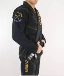 Kimono Kvra preto Jiu Jitsu