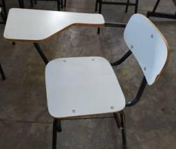 Cadeiras usadas de aula