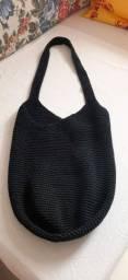 Bolsa grife italiana  , preta, nova, mede 81 cm junto a alça