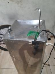 Título do anúncio: Vendo um purificador de água inox barato
