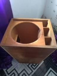 Caixas de som sem falantes, uma caixa subão pra falante de 18, duas caixas canhão.