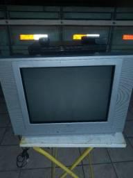 """Título do anúncio: Tv LG 21"""" com Dvd semp"""