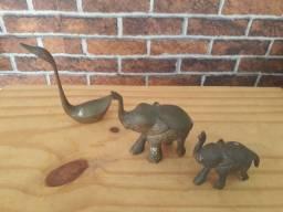 3 mini  estatuas pesadas