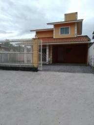 Aluga-se Casa de Praia na Pinheira á 100 m da praia