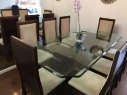 Mesa de cristal com 8 cadeiras e 1 lustre de cristal com 4 lâmpadas de led