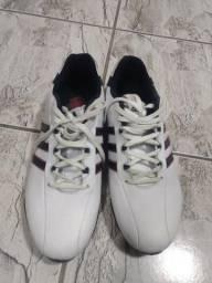 Sapato West Coast e Adidas