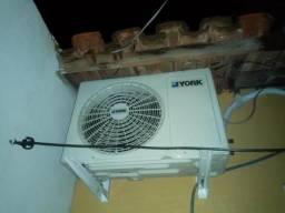 Ar condicionado 12000 BTUs 220v