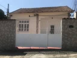 Casa Linda em rua calma na Abolição