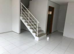 Alugo casa em condomínio fechado. R$ 1.800, *
