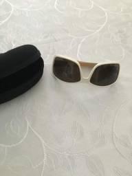 Vendo óculos feminino original da marca HB