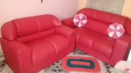Vendo sofá de 2e 3 lugares sem marcas e uso conservado
