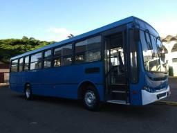 Onibus urbano motor dianteiro 2003 mercedes of1417 - 2003