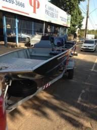 Barco Êxito 500 com comando a distância