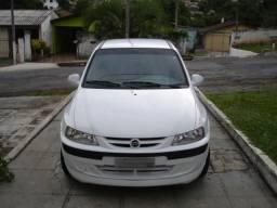 Gm - Chevrolet Celta 2001 Branca - 2001