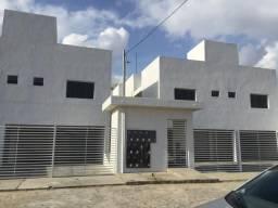 Alugo casa em condomínio próximo a UEPB
