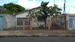 Casa a 500m de do centro de Cosmópolis-SP. (CA0122)