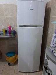 Geladeira 260 litros frost free