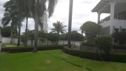 Casa comercial com maid de mil m2 de contruçao 15 mil