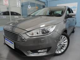 Ford Focus Fastback ( Sedan ) Titanium Plus - Top de Linha, Teto, Xenon, Park Assist