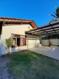 Excelente casa na praia de Barra do Sul, com 7 dormitórios, sendo 2 suítes, 4 banheiros