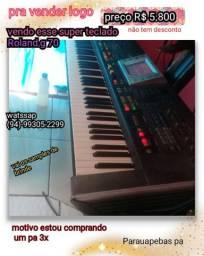 * teclado Roland g 70