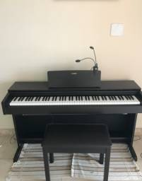 Piano digital Yamaha Arius YDP-103-perfeito estado