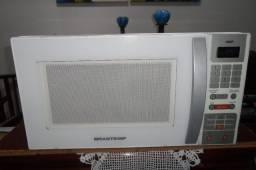 Título do anúncio: Microondas Brastemp  Maxi 31 Lts, novinho, impecável.