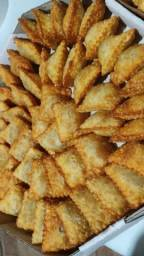 50 pastelzinhos fritos sabor carne 32,00