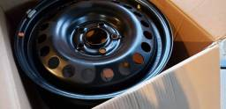 Roda original Hyundai Creta S16 com calota, na caixa nunca usada