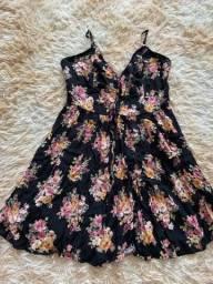 Título do anúncio: vestido preto floral forever 21 seminovo