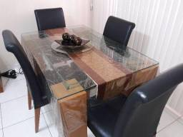 Mesa de Jantar Muito Nova