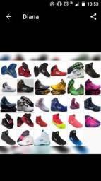 Vende se botas variadas cores