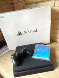 Playstation 4 Slim + 3 jogos