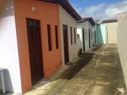 Alugo Casa em Vila ( Valor Único R$450)