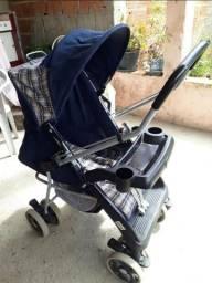 Vendo um carrinho de bebê em perfeito estado